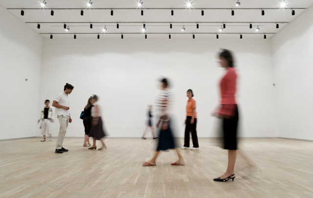 Jeppe Hein - Invisible Labyrinth. Courtesy Hayward Gallery.