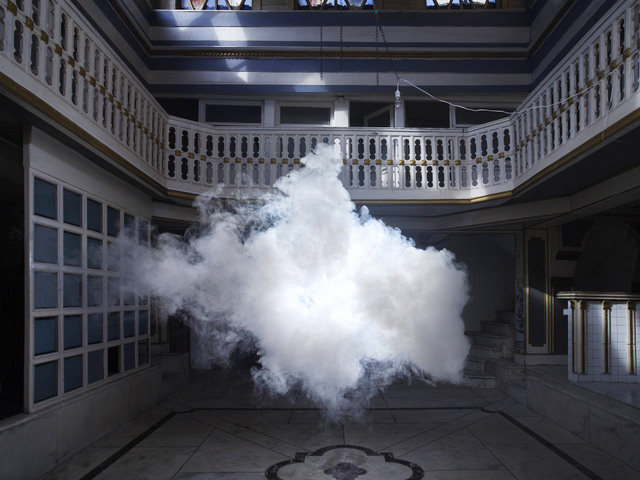 Berndnaut Smilde, Nimbus Cukurcuma Hamam II, Courtesy the artist and Ronchini Gallery, Photo Onur Dag