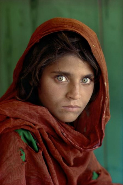 Steve McCurry, Afghan girl, Peshawar, Pakistan. Image courtesy the artist and Beetles + Huxley