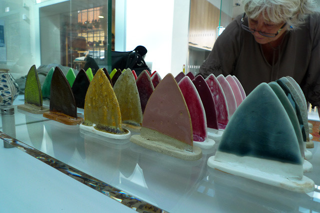 Inspecting glaze moulds