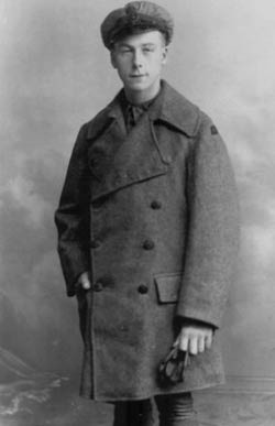 Henry_Allingham_in_1916.jpg