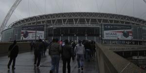 NFL @ Wembley: Slip Slidin' Affray