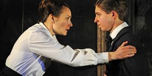 Theatre Review: The Turn Of The Screw @ Almeida Theatre