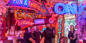God's Own Junkyard: Threatened Neon Heaven To Get New Home?
