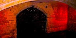 London Short Fiction: The Wallbuilder