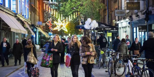 Bag A Christmas Bargain At Free Shopping Events