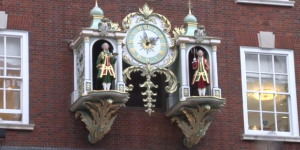Video: The Fortnum & Mason Clock