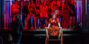 Operatic City Of Sin Comes To Covent Garden