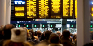 London Bridge Chaos Continues For Commuters