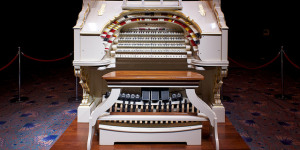 Trocadero to Troxy: Europe's Largest Wurlitzer Theatre Pipe Organ