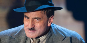 """A """"Gangster Show to End All Gangster Shows"""": The Resistable Rise of Arturo Ui"""